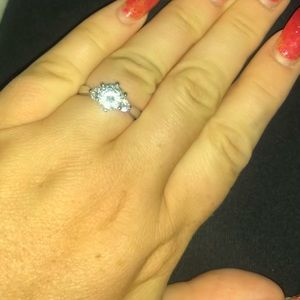 Round Cut Solitaire Engagement/Cocktail Ring